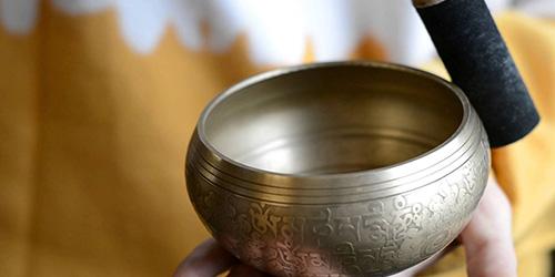 Sunete pentru meditaţie – efecte terapeutice şi tehnici de meditaţie bazate pe sunete